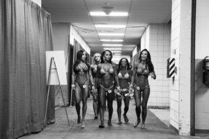 Выставка фотографий бодибилдеров в Париже
